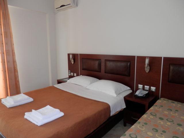 Simeon Hotel - семейни/свързани стаи